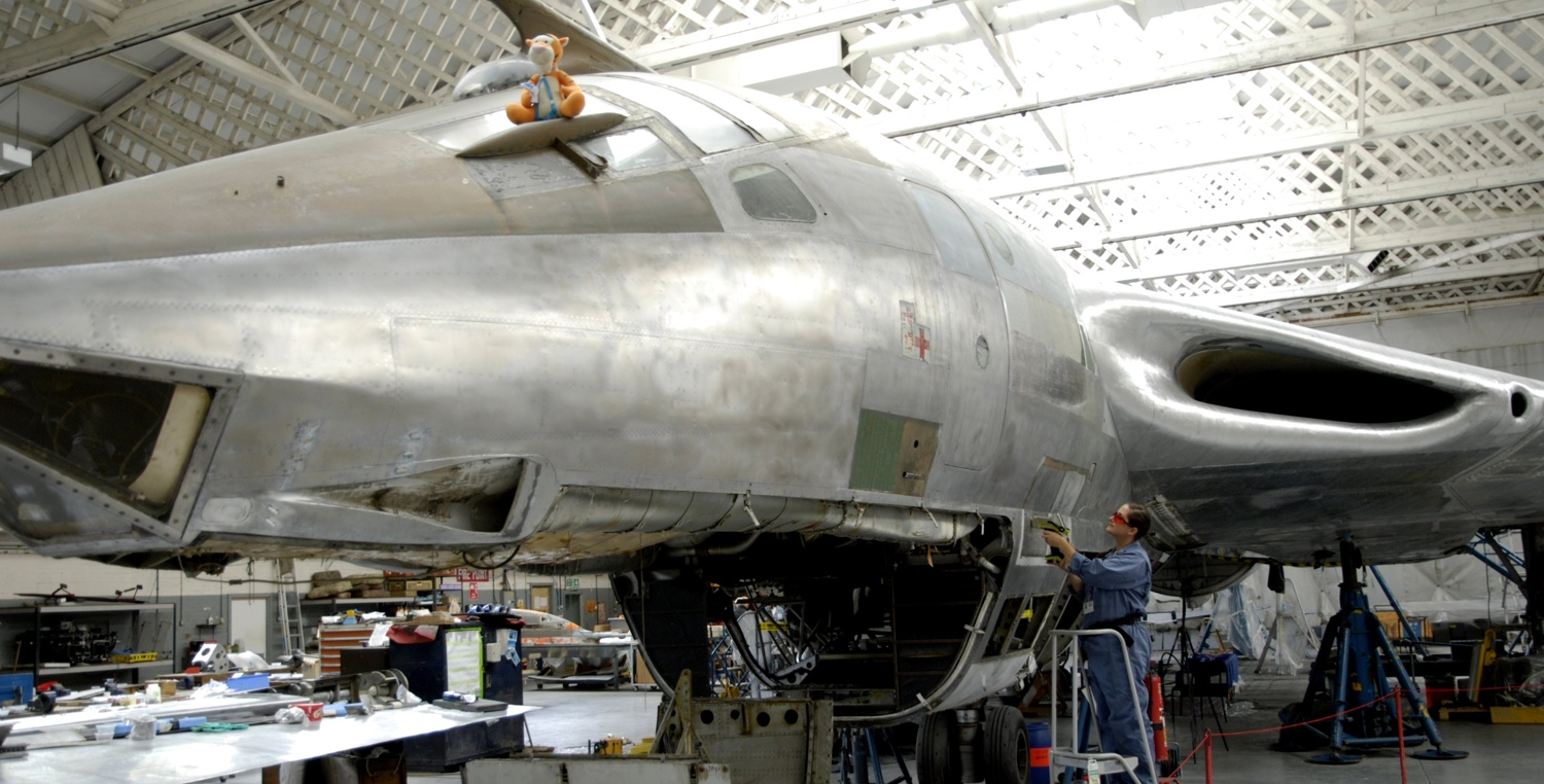 Imperial-War-Museum-Duxford-uses-Niton-handheld-Xray-fluorescence-analyser-while-restoring-V-bomber-picture.jpg
